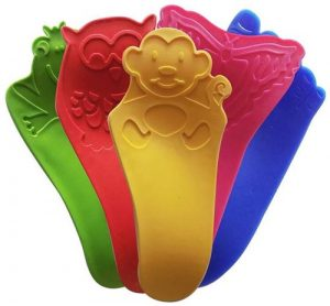 Little Piggy Shoehorns just for kids by Bright Kids.